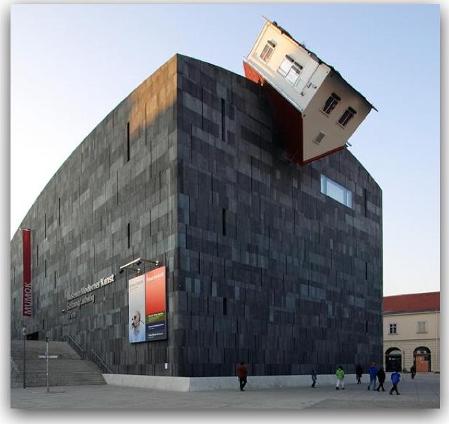 Erwin wurm Museum Moderner Kunst